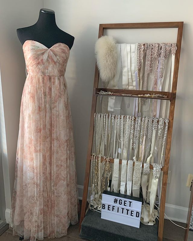 👰: Do you carry sashes? Us: Why, yes. Yes we do!  Sashes for dayyyys 💁‍♀️ // #GetBeFitted #BeFittedBrides #WeGotchu #WeddingDress #Wedding #Weddings #Bride