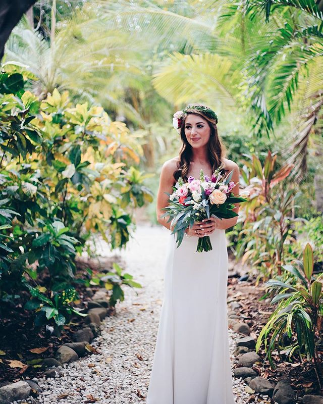 A snowstorm is on it's way to DC... good thing we have brides like @thazer who give us a taste of summer with their gorgeous tropical weddings! // #GetBeFitted #BeFittedBride #Love #DestinationWedding #WeddingGoals