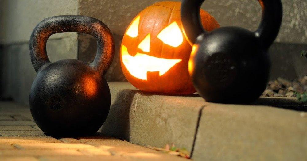 Halloween-Kettlebell-Workout-klein-1.jpg