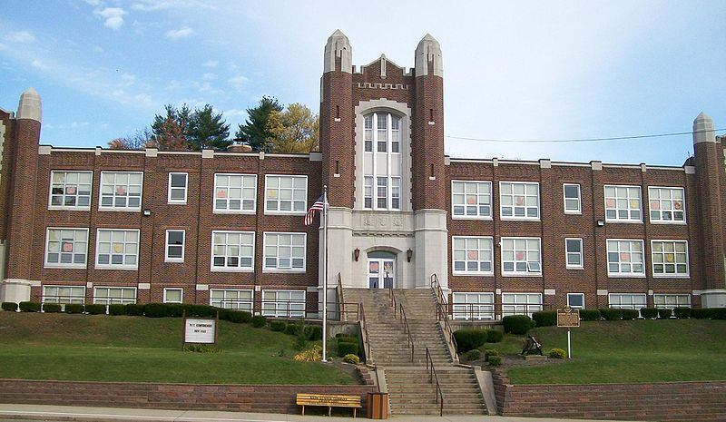 Credit: Bwsmith84 / Wikimedia Commons / CC-BY 3.0, available at https://commons.wikimedia.org/wiki/File:Dennison_High_School.jpg