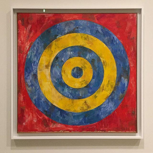 ❤️💙💛🎯Jasper Johns @thebroadmuseum #jasperjohns #retrospective #thebroad #painting