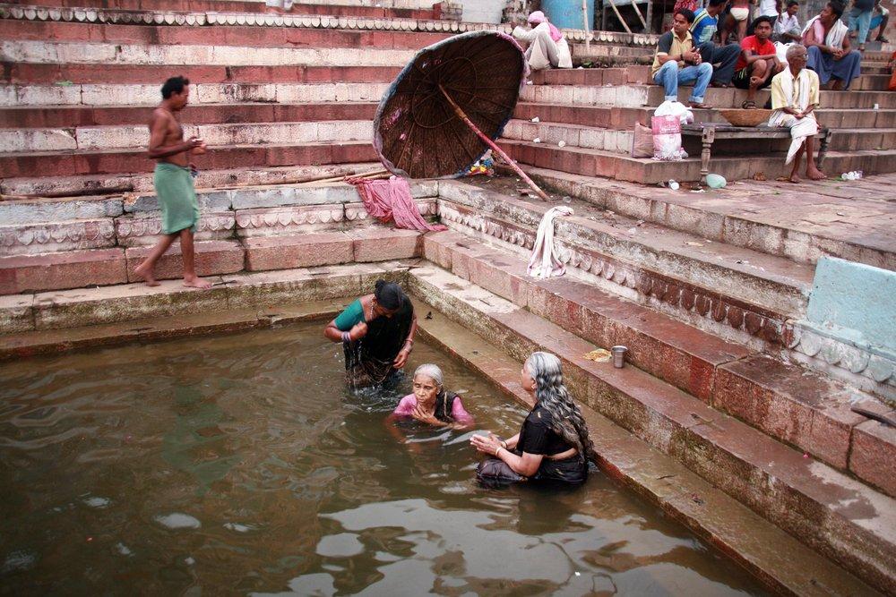 Abluzioni gange India 2010 413.jpg