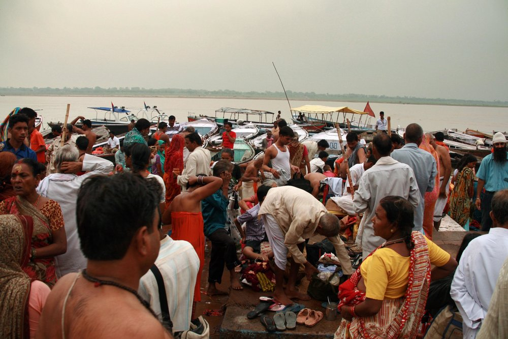 Pellegrini sul Gange India 2010 437.jpg