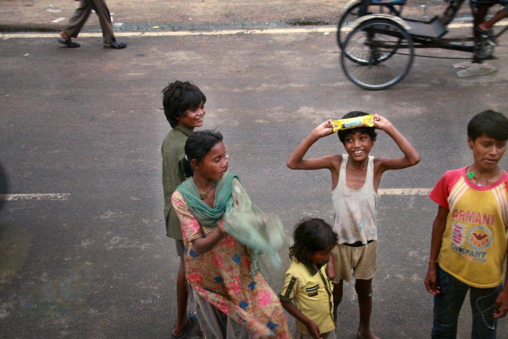 Questuanti bambini India .jpg