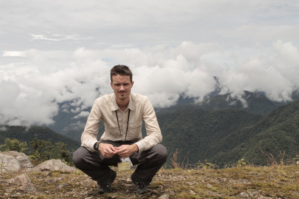 A brief stop in the Papuan Highlands between flights.