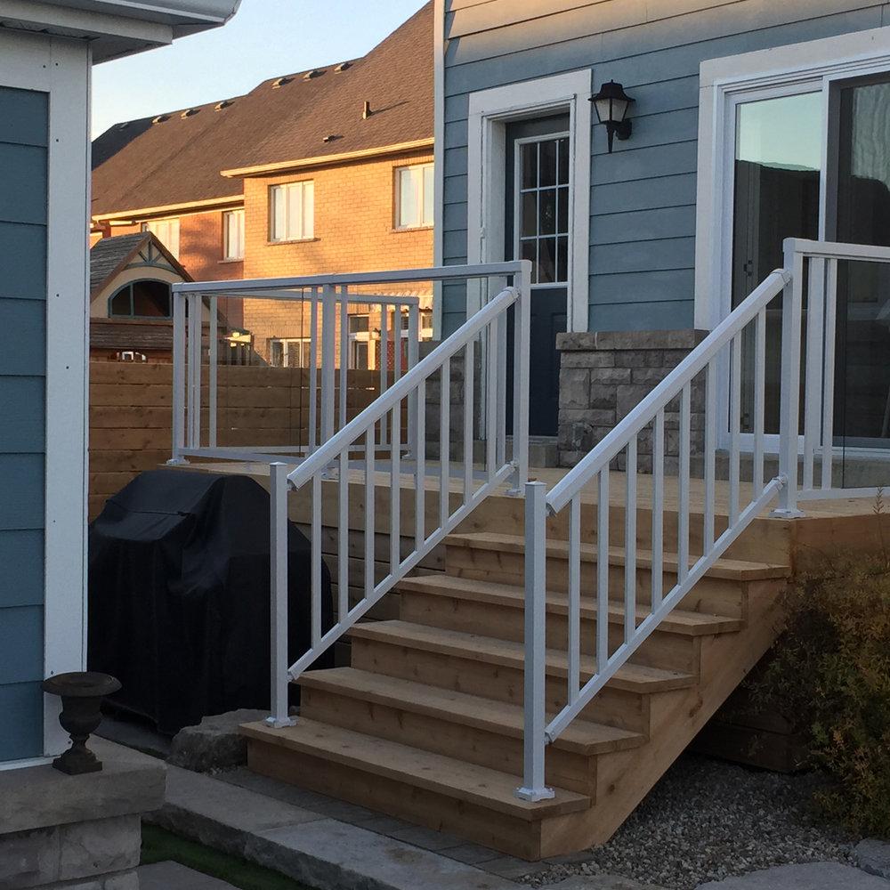 gallery-carpentry-back-deck.jpg