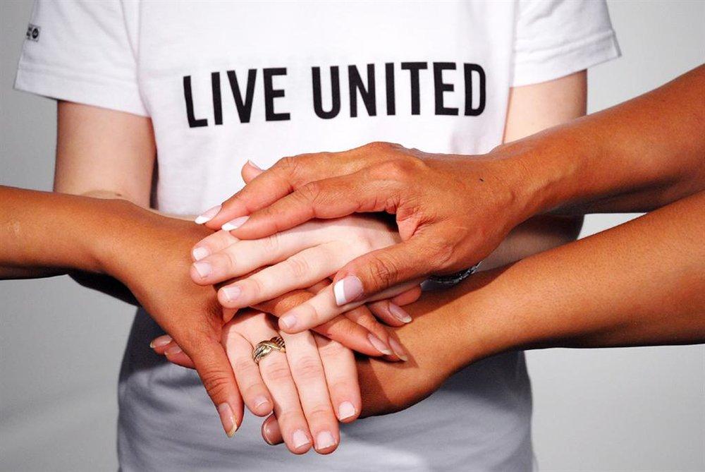 Live_United_Hands2_0.jpg