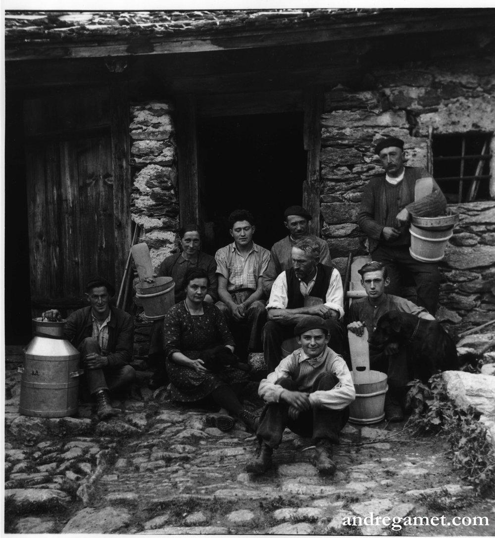 Groupe de Bergers en Alpage