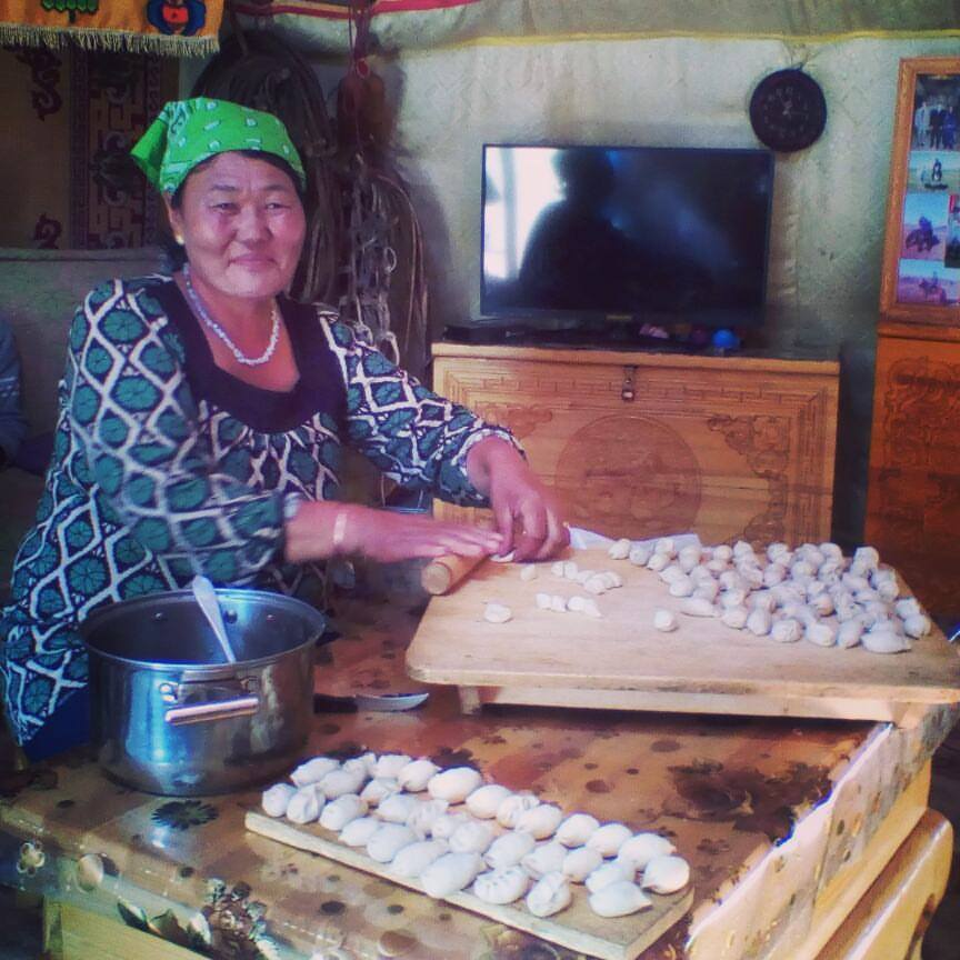 dumplings-mongolia.jpg