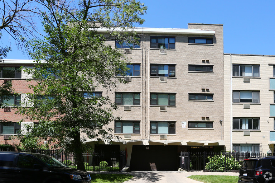 6006-n-kenmore-ave-chicago-il-building-photo (19).jpg