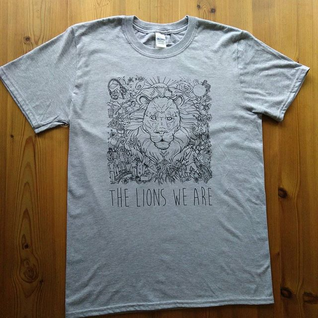 🦁 BUY #TLWA SHIRTS IN BIO ($30) by @kimmortalmusic printed by @makevancouver Black w/ white ink Grey w/ black ink  #dailyhivevan #vancityhype #hiphop #rap #vancouver #hiphopvancouver #YVR #community