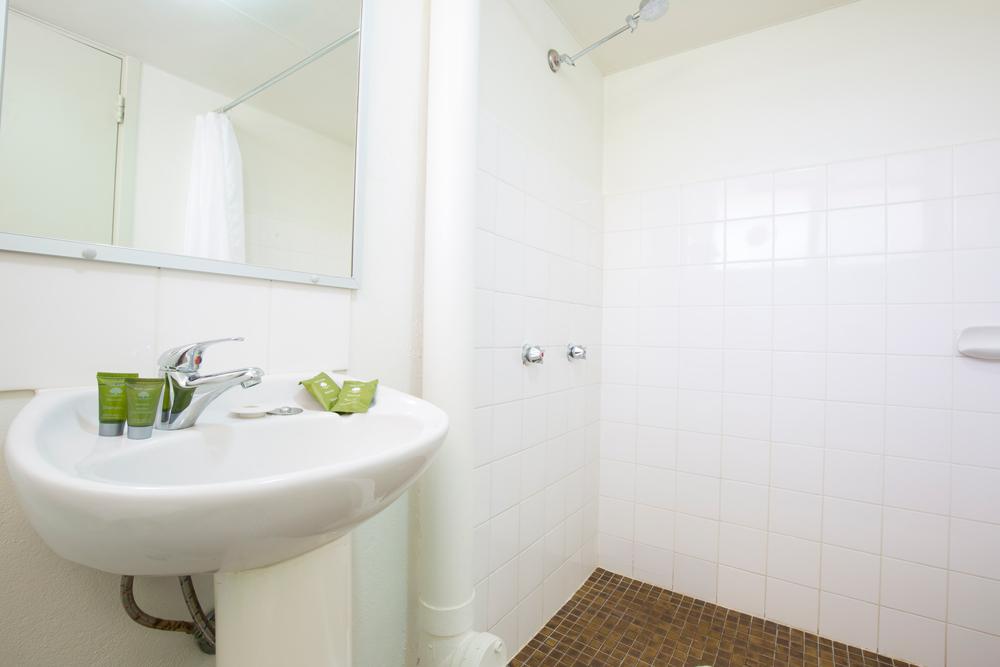 summer-east-bathroom.jpg
