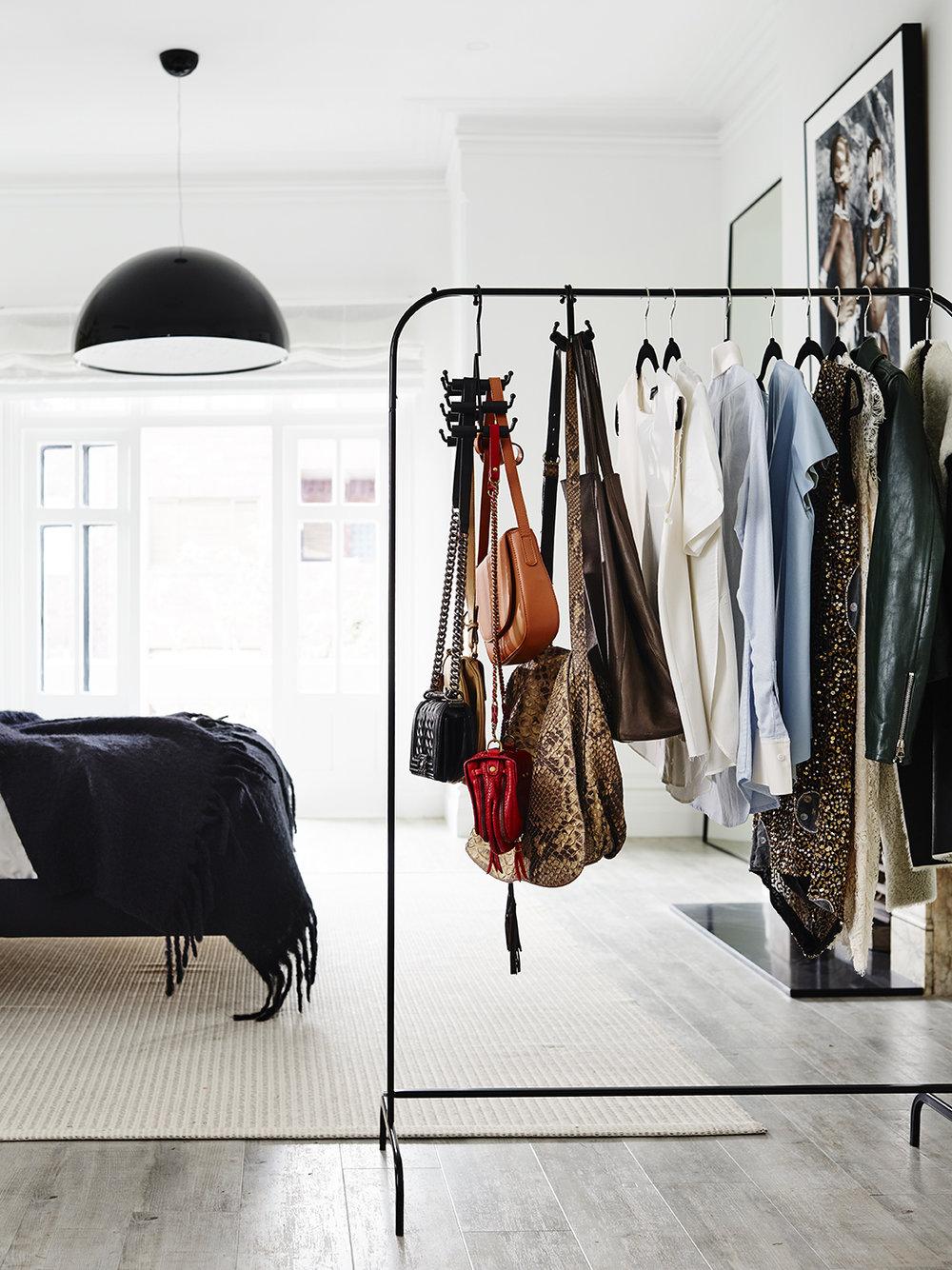 The_Handbag_Hanger_120916_163355V.jpg