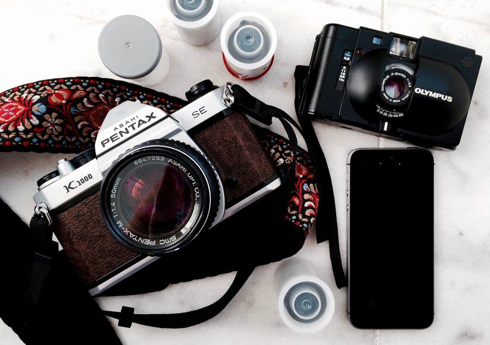 Pentax K1000 SE / Olympus XA / iPhone SE