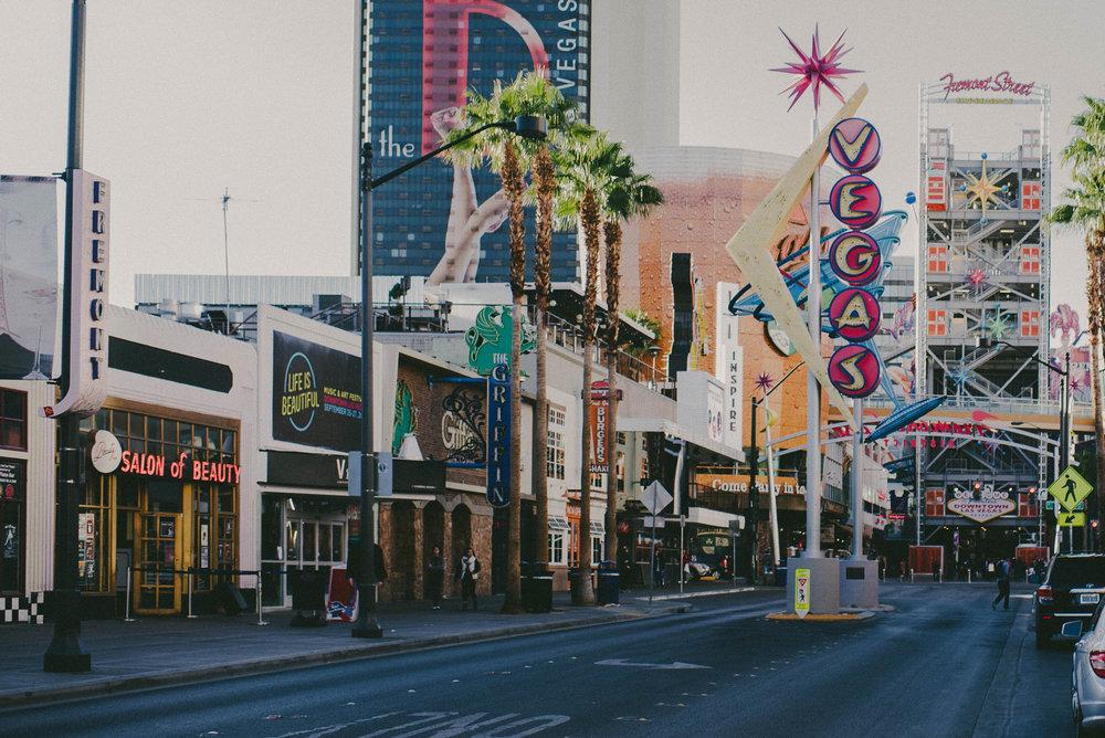 Badass-Vegas-Elopement6.jpg