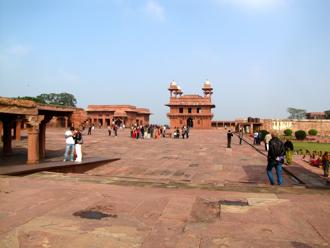fatehpur 1.jpg