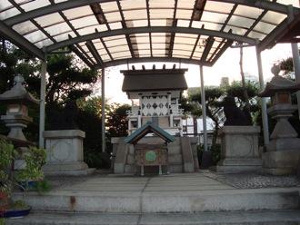 tsukijishrine2.jpg