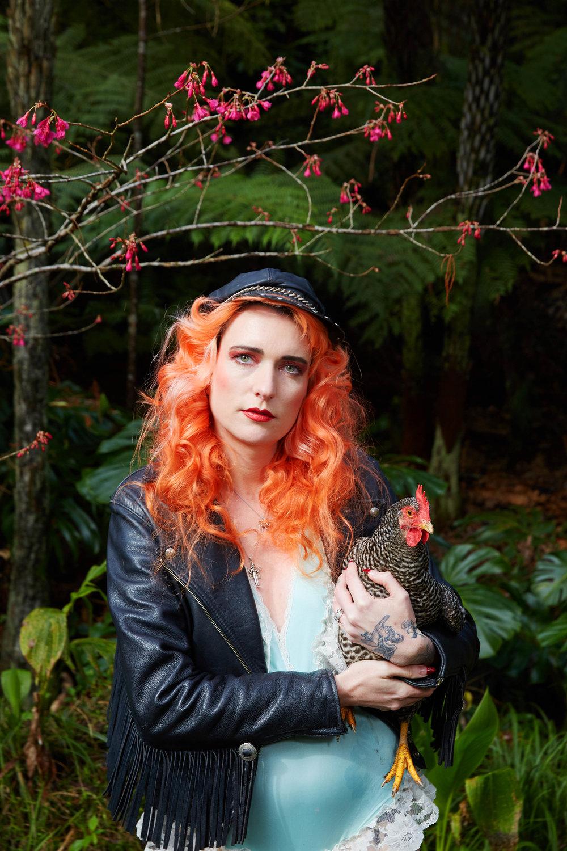 Kylie_Chickens_Viva_2T4A8611.jpg