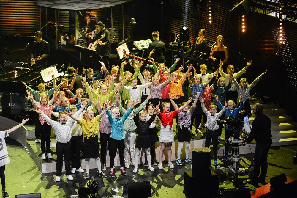 Musikklasserna från Åshöjdens grundskola fick kvällens största applåder.