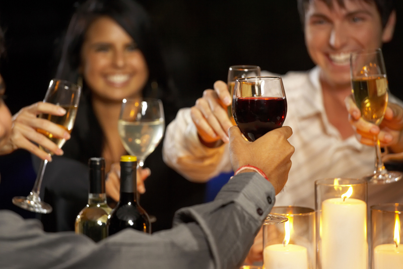People-cheerings-with-Wine.jpg