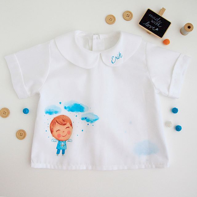 I'm really happy with this shirt. it is beautifully sewn by a professional seamstress with the 100% cotton fabric I found in a local shop. And than my discreet image of a boy, his name and a little surprise at the back - a cloud with ⭐️ #lescherubinsart #lescherubinsbydominika #handpaintedshirt #giftforbabyboy #baptismgift #christeningideas #christeningclothes