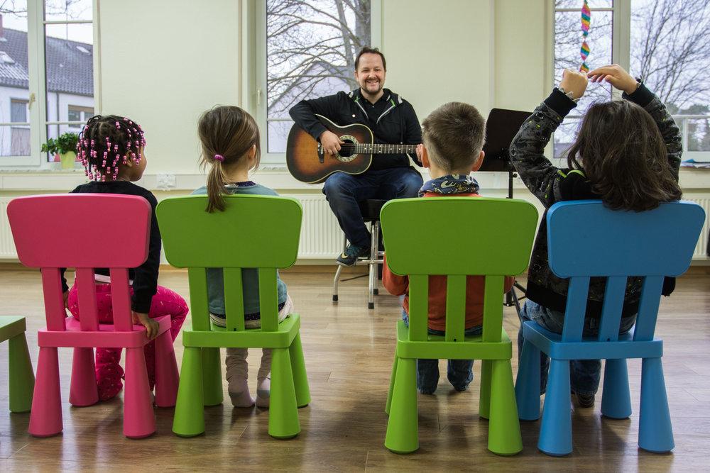 Hamids Musikschule by Dirk Behlau-5113.jpg