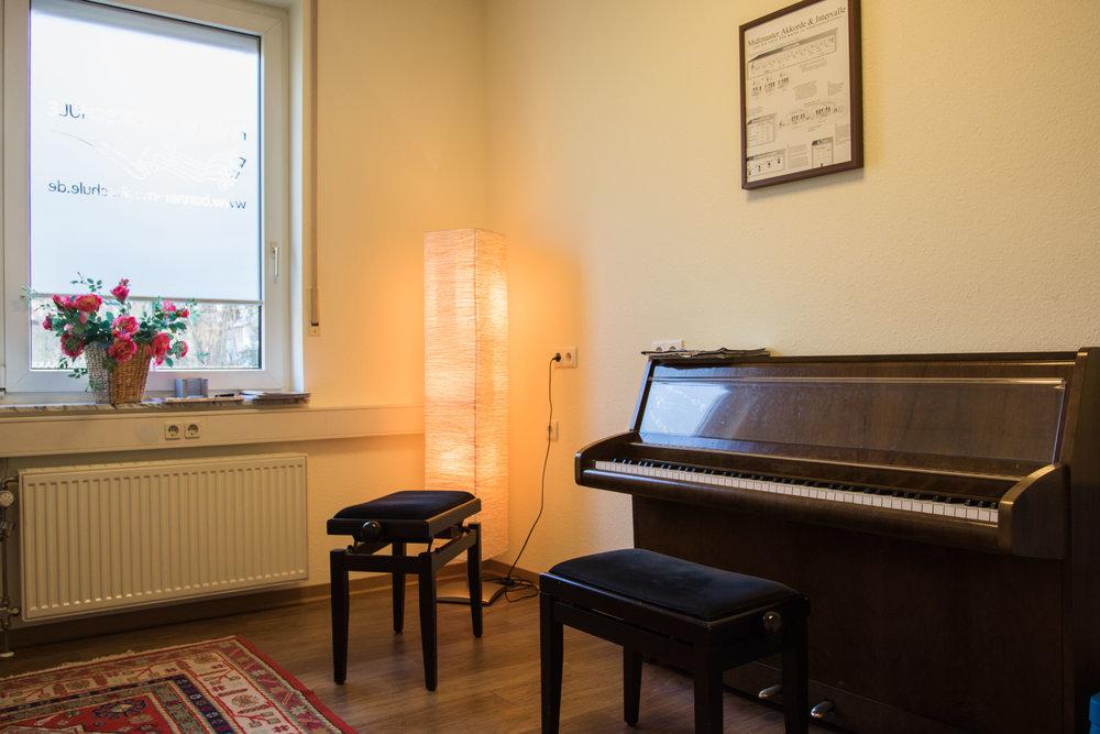 Hamids Musikschule by Dirk Behlau-4907.jpg