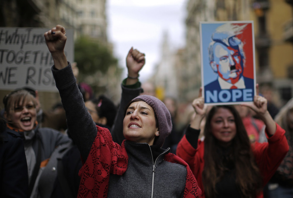 barcelona womens march.jpg