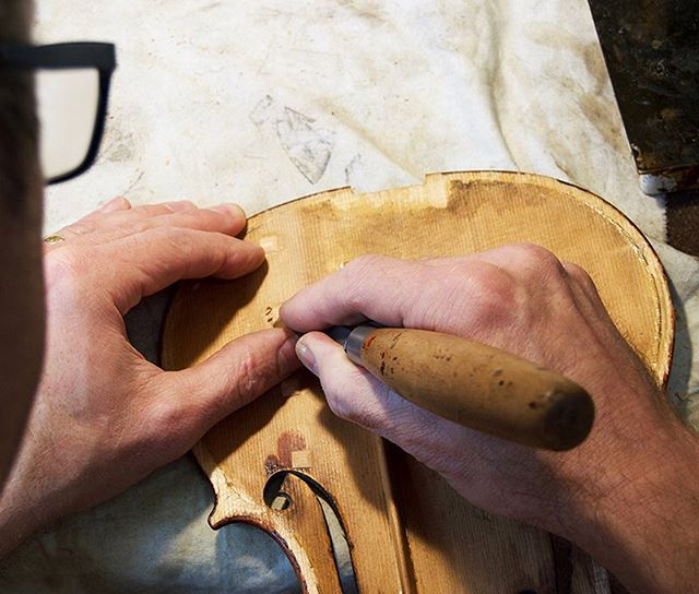 We restore and repair stringed instruments and supply quality violins, violas, cellos and accessories to suit every type of player from virtuoso player to absolute beginner. #woodbridgeviolins