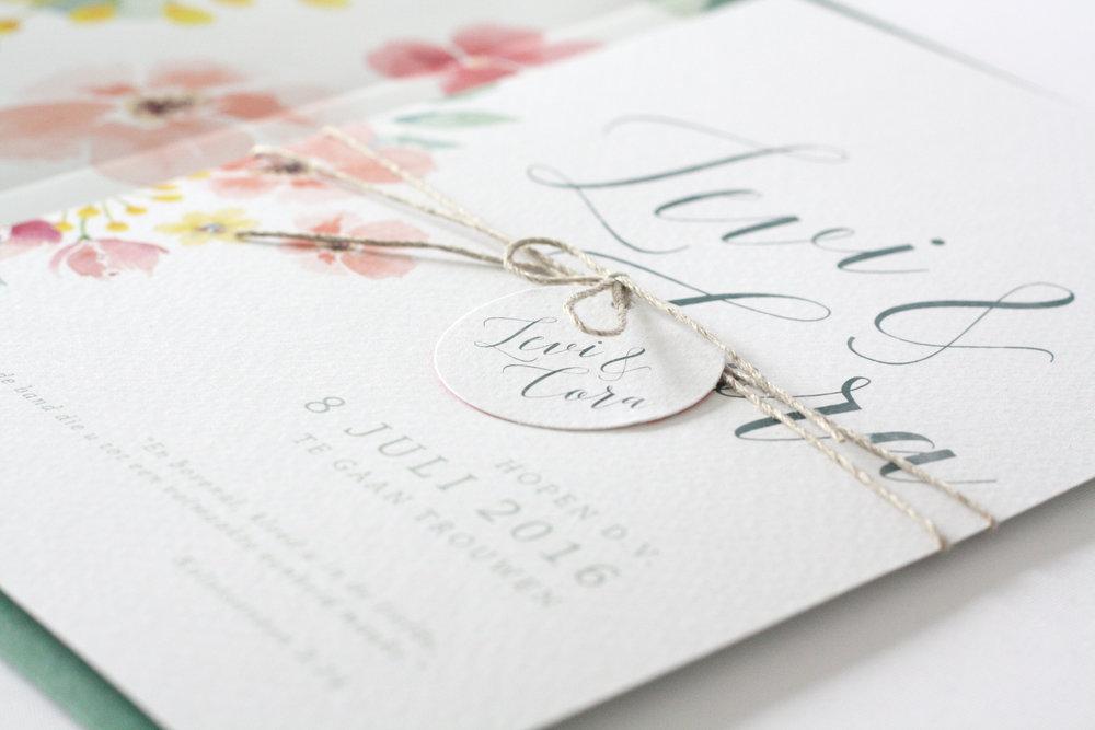 trouwkaart-uitnodiging-bloemen-aquarel