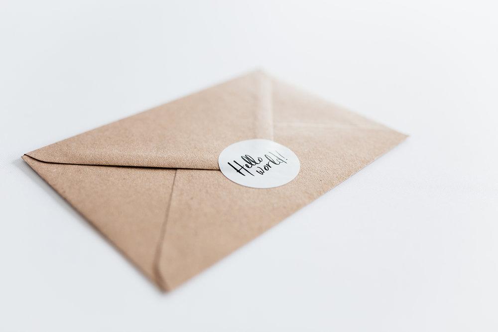 geboortekaartje-kraft-brush-patronen-stoer-sluitzegel-envelop.jpg