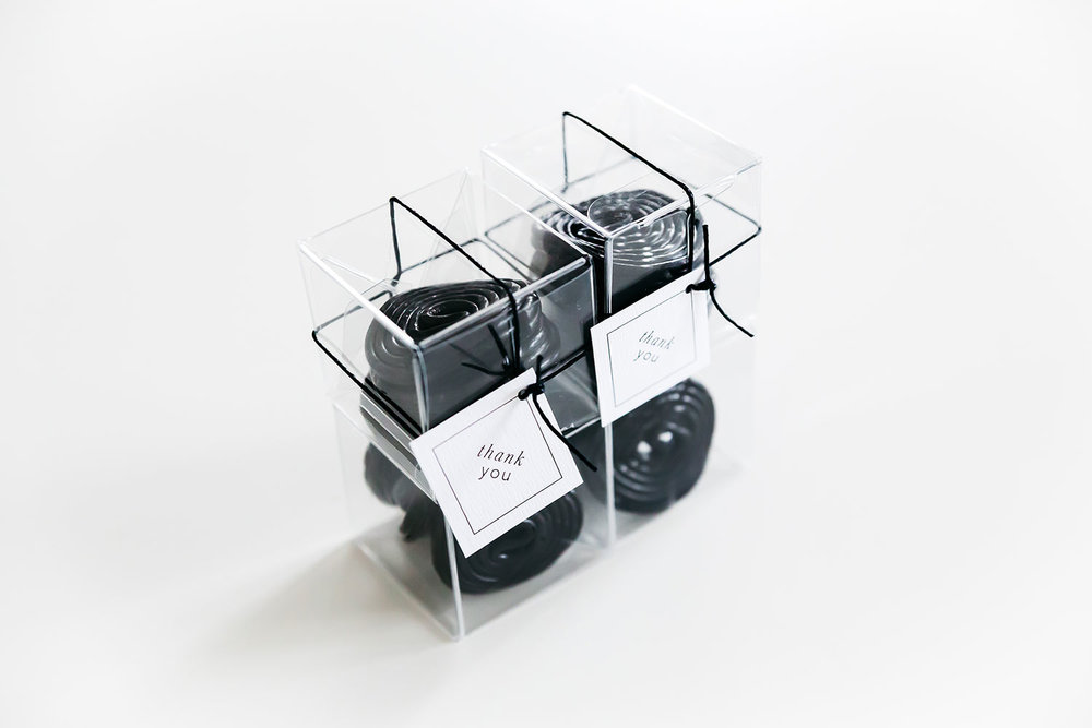 trouwkaarten-stationery-trouwhuisstijl-bedankje-favour-boxes-tag-dropveter.jpg