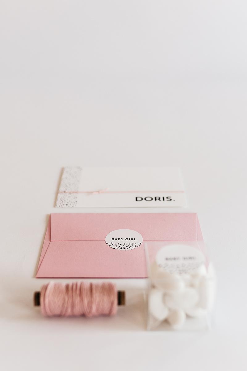 geboortekaartje-meisje-zwart-wit-geboorte-stationery-roze.jpg
