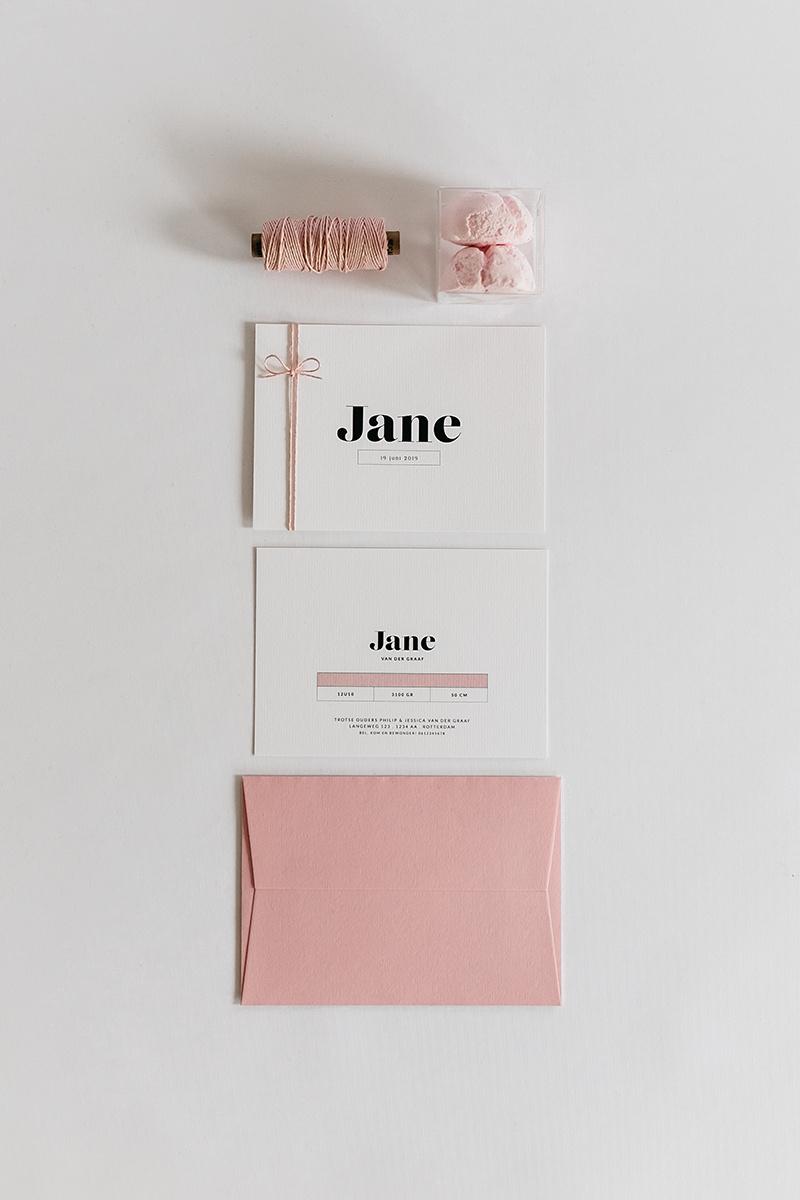geboortekaartje-meisje-modern-design-simpel-eenvoud-roze-stationery.jpg