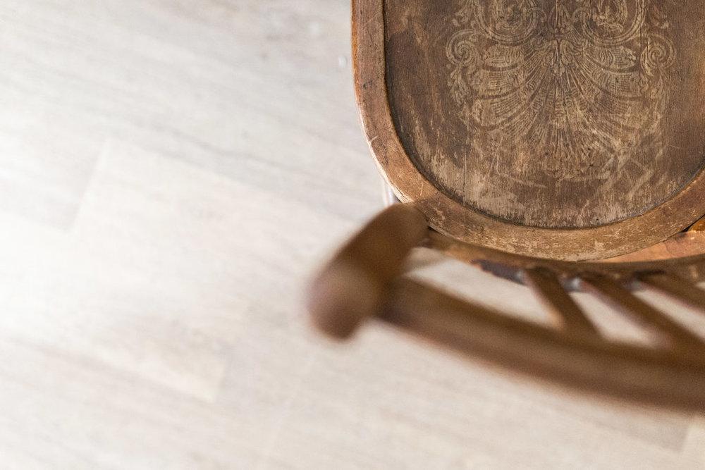 chaise-bois-vintage-atelier.jpg