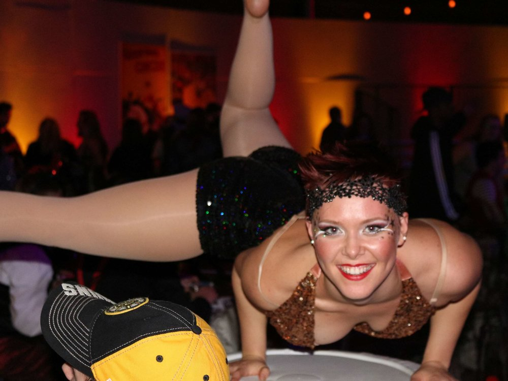hand-balancer-acrobat-at-corporate-circus-party-in-boston-ma-with-harrington-events.jpg