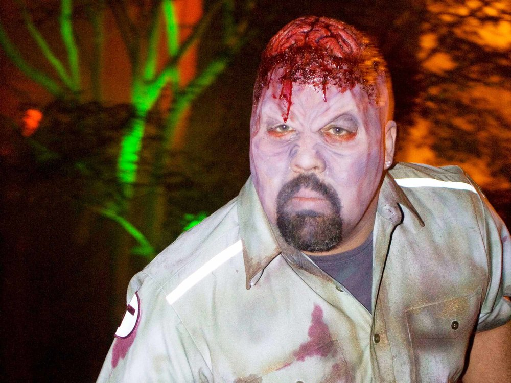 mail-man-zombie-interactor-at-halloween-party-in-boston-ma-with-harrington-events.jpg