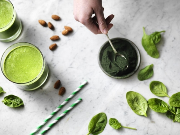 https://naturya.com/recipes/spirulina-fruit-smoothie