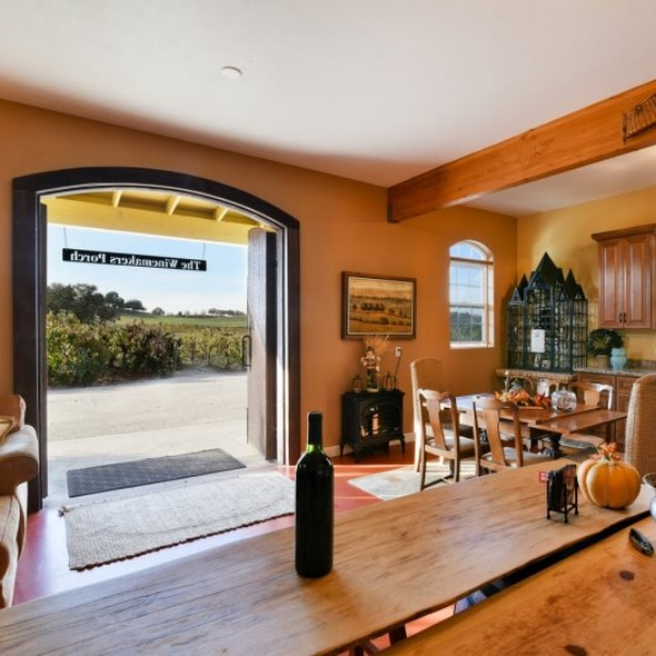 Francis James Vineyard  - The winemakers Porch AgroBnB home is the perfect location to enjoy your Paso Robles vacation.  Located on the Francis James Vineyard outside the city of Paso Robles.