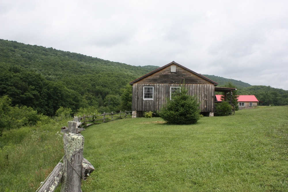 Turtle Brook Farm  - Turtle Brook Farm is set up for trail riders, but its accommodations are equally suitable for hikers, birders, fishermen, mountain bikers or anyone else looking to get away to the mountains!