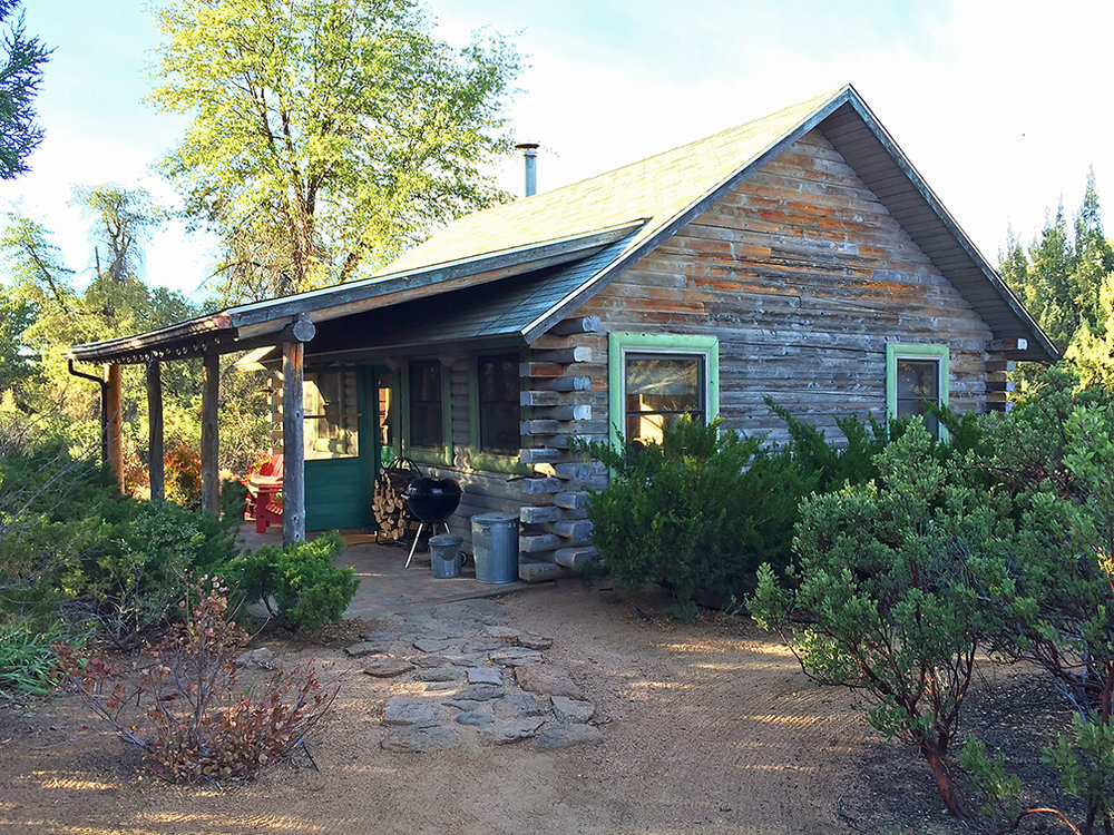 Juniper Well Ranch  - Cabin includes: All cotton bed linens, towels, soaps, bath salts, a commercial stove, microwave, refrigerator, all necessary cookware, tableware, basic spices, coffee and BBQ grill!
