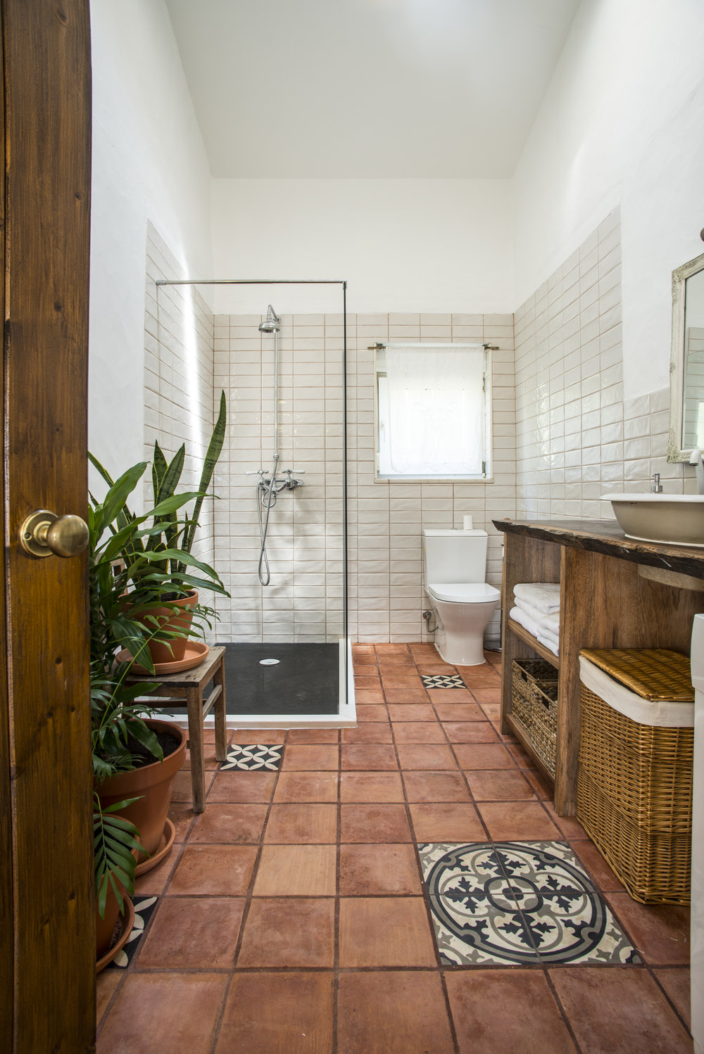 10_Main House Bathroom.jpg
