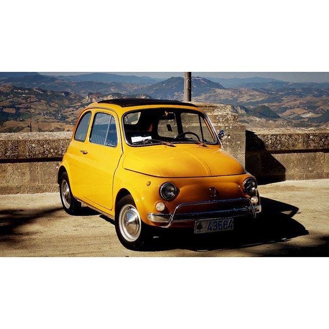 I love this cute little Fiat 500. Especially in yellow 😀 . . . . . #fiat #fiat500 #fiat500lovers  #classicfiat  #classicfiat500  #fiatclassic  #fiat500weddingcar  #destinationwedding  #destinationweddingvideographer  #italywedding  #italyweddings  #sanmarino  #yellow  #yellowcar  #classiccar #classiccars #weddingcar  #engaged2019 #engaged2020 #gettingmarried  #gettingmarried2019  #gettingmarried2020 #huffpostweddings  #rockmywedding