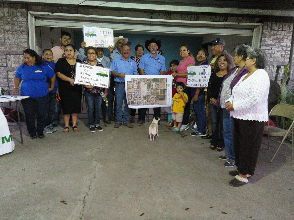 Reunión comunitaria con Precint 4 en Alberta Meadows Colonia