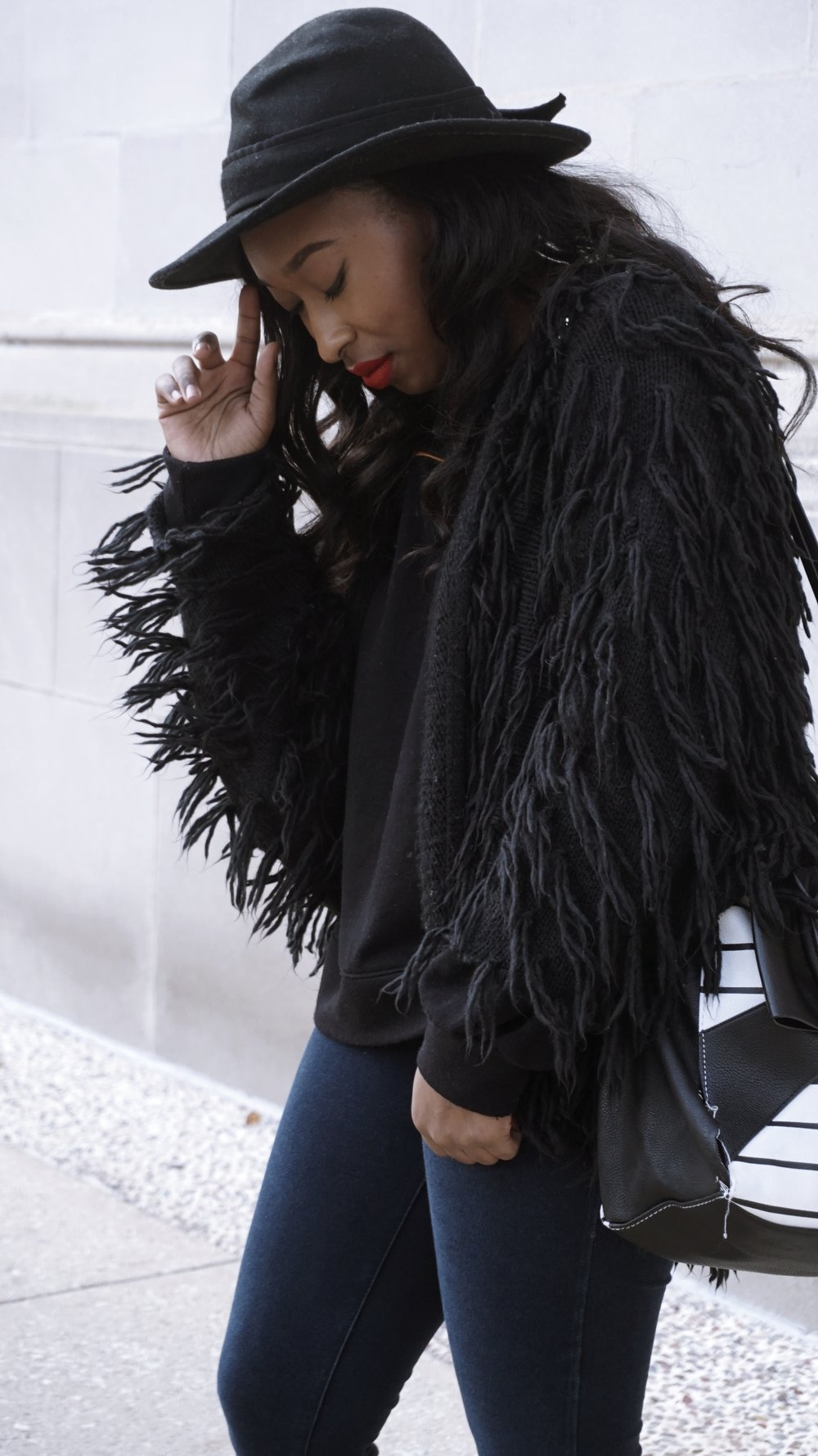 Shaggy cardigan outfit, how to style a shaggy cardigan, boohoo, pretty little things, nasty gal