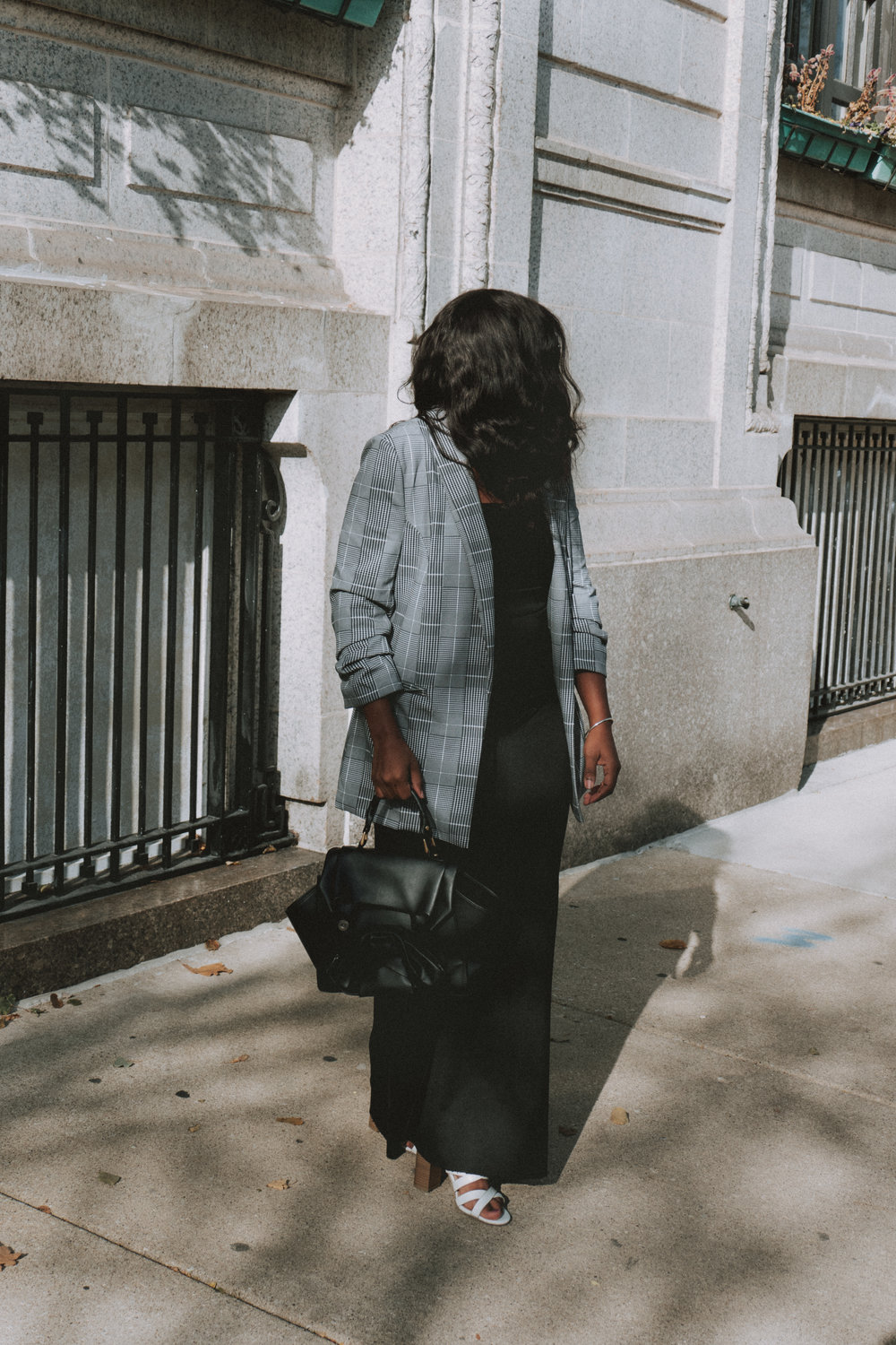 Check Blazer, Wide leg pants, oragami purse, all black outfit, holiday outfit ideas, blazer outfit ideas, how to style wide leg pants