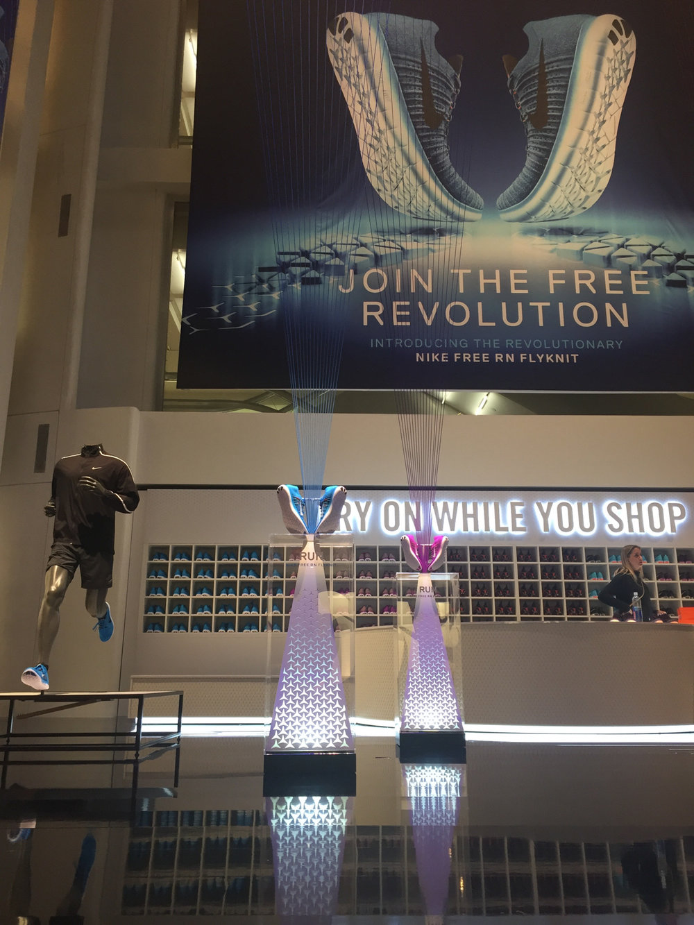 Niketown Free Revolution_Offseason2016_20160407_1458.jpg