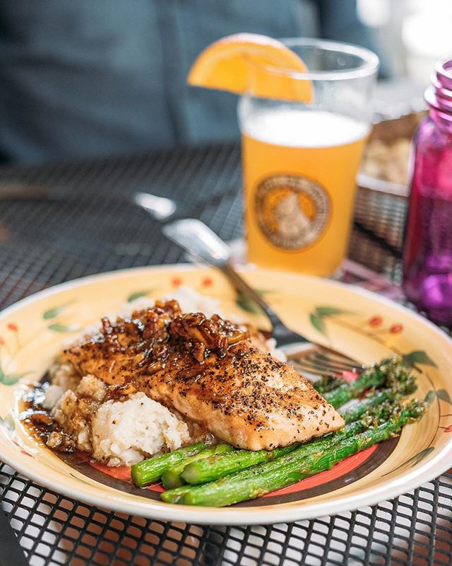 We hope you've got big plans for the long weekend! We'll be right here enjoying this Orange Salmon Annabelle at @foglight275. Win a free dinner for two at #foglightfoodhouse as a part of our $1,000 #lifeinbloomtn weekend getaway contest. Visit lifeinbloomtn.com (link in bio) to enter. Tag a friend in the comments you'd love to come #visitmcminnvilletn!