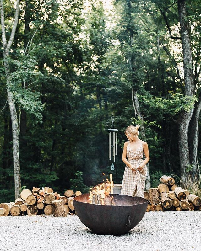 #Repost from @natalieallenco. See what she has to say about her time in #McMinnvilleTN. 👇 - I like the city, but I think I like the countryside more. 😬 - A one-of-a-kind small town vibe with agro sustainability and excellent food joints. 🍊Experience the southern charm yourselves by clicking the link in my bio and perhaps win a little trip contest of your own for 2; a duplicate of mine and Reyce's trips taken last month valued at over $1,000! Hurry, contest is closing soon! #lifeinbloomtn #mcminnvillelove