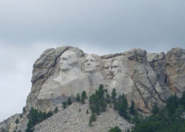 What a metaphor [dark clouds ominously hanging over their heads]... #mtrushmore #politics #dumptrump #makeamericagreat #nofilter #goaway #dumptrump monuments #tours history